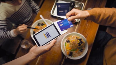 Paying for dinner with a contactless card